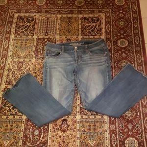 American Eagle women's jeans 14 regular